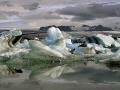Jokulsarlon, gletsjermeer met wolkenlucht