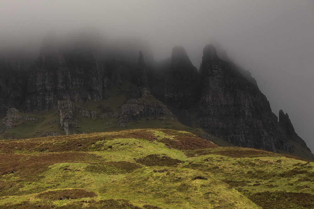 Spooky mountains, Skye